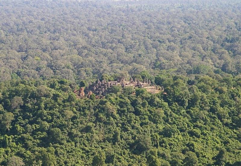 Рис. 20. Храм Пном Бакхенг, фото с высоты птичьего полета.
