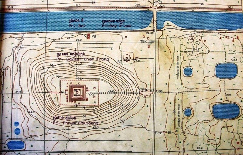 Рис. 30. Храм Пном Бакхенг (конец IX в.), общий план.
