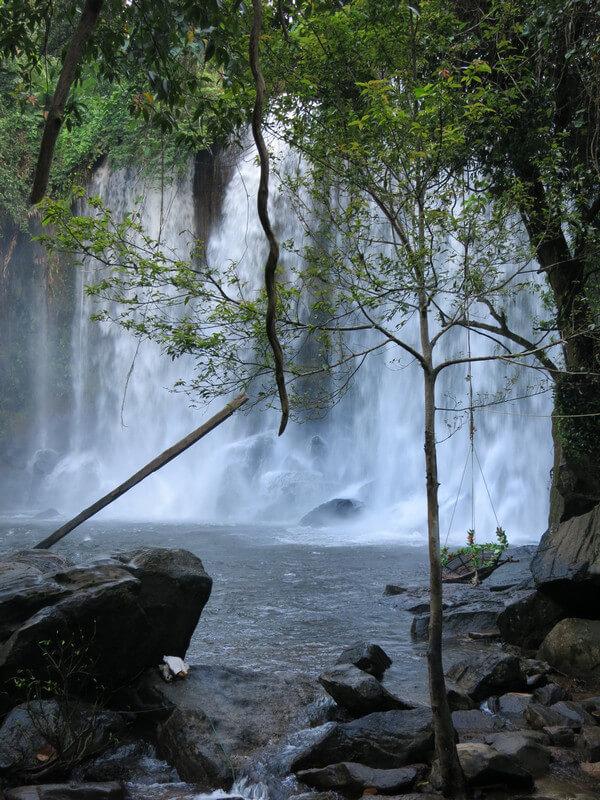 Рис. 42. Водопад на реке «Тысячи Линг» Пном Кулен, совр. фото.