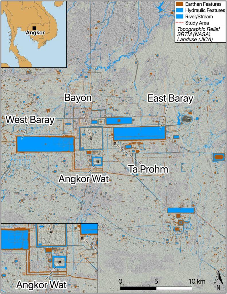 Рисунок 1. Карта Большого Ангкора с указанием основных храмовых мест и особенностей; ( Вставка вверху слева ) региональный вид; ( Вставка внизу слева ) деталь храма Ангкор-Ват. Данные предоставлены Миссией по топографии челночного радара (NASA-SRTM) и Японским агентством международного сотрудничества (JICA), Дамианом Эвансом и Кристофом Поттье.