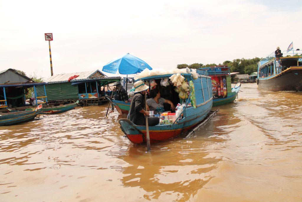 Озеро в Камбодже? Конечно ТОМЛЕСАП!