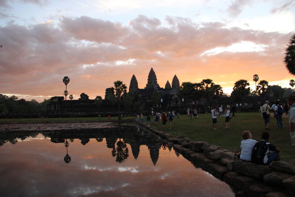 Анкор-Ват как отражение вишнуистской символики в храмовой архитектуре древних кхмеров