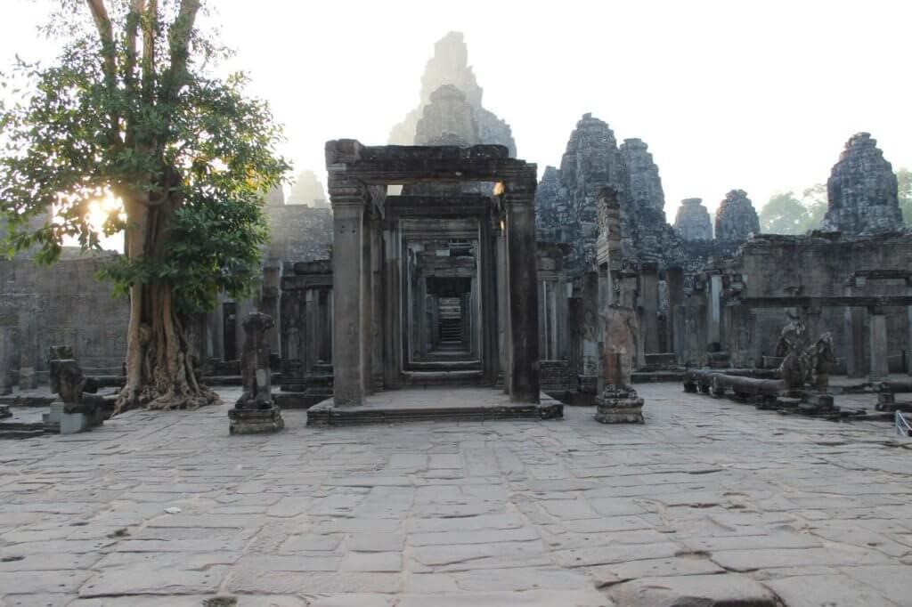 Легендарные храмы Ангкора